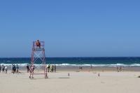 Pláž za městem Comillas