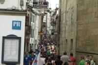 Plné ulice lidí v Santiagu